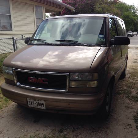 2001 GMC Safari Passenger Van Auto For Sale in San Antonio TX