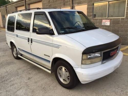 1995 GMC Safari Passenger Van V8 Auto For Sale in Pasadena, TX
